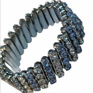 VTG C1960s Expandible crystal bracelet blue clear